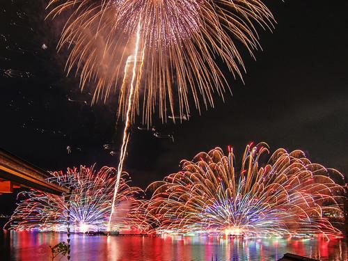諏訪湖サマーナイト花火イメージ