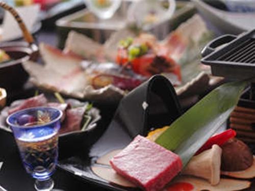 【別邸スタイル】夕食メイン選べるスタンダードプラン《レギュラー客室》