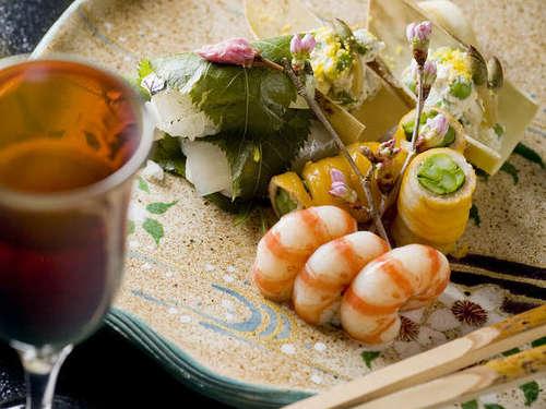 【お部屋食プラン】料理長こだわりの「だし」と旬の食材を使った和食会席<飛泉閣または山水閣>