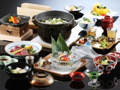 【プライベートダイニング】 「少量美味」 〜量を控えて質にこだわる美食家の方におすすめ〜