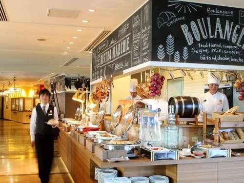 【満足度◎】当館一番人気のブッフェレストラン♪出来立て料理を食べつくす!豪華バイキングプラン