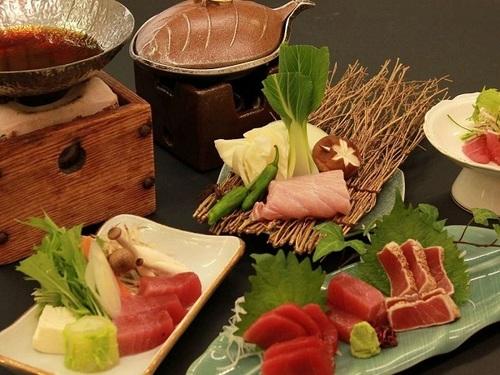 勝浦に泊まるならこれでしょ!! 【料理長自慢】のまぐろづくし会席を召し上がれ♪