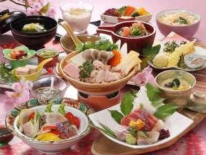 お気楽コース【春の花心会席】大山鶏とめかぶの山菜鍋×鰆焼霜サラダ仕立て