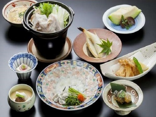 【ふく会席】グルメ★ふぐ◎とらふぐ薄造り、白子入り茶碗蒸し、一夜干し、唐揚げ、雑炊など本場の味を存分に