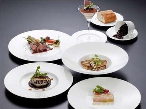 【2食付】フレンチで優雅なひと時を♪海峡を望むメインレストラン「ブルーフォンセ」でいただく本格フレンチ♪和洋選べる朝食付