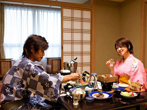 【個室食スタンダード】〜誰にも気兼ねなくゆっくりと〜旬の食材を使った四季彩・基本会席プラン