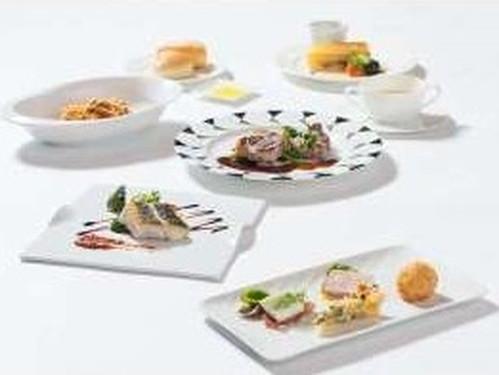 ◆2食付◆<グレードアッププラン>開放感あるダイニング『THE ONE』〜地中海料理「ムーンライト」
