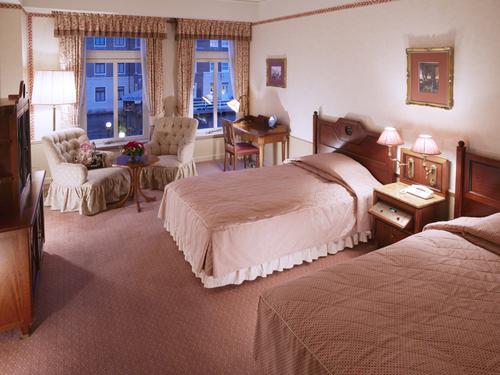 お部屋だけの素泊まり リゾートプラン(HTB入場料別、食事なし)
