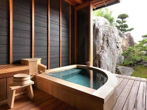 『離れ』神呂木の庄〜和樂〜 神秘的な雰囲気と、贅沢な空間を演出するプライベートルーム
