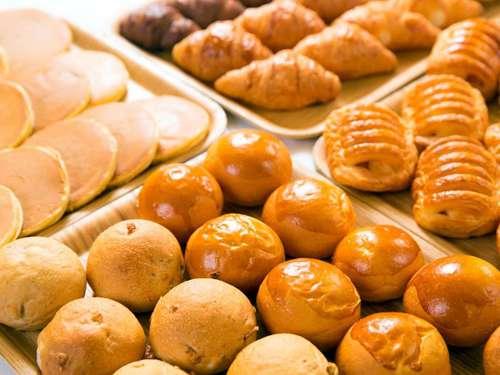 【早割28】28日前までのご予約でお得!食べてこ〜☆大好評☆毎朝焼きたて!パンのバイキング朝食付♪
