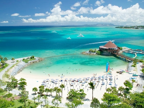 ホテルで選ぶ沖縄リゾート