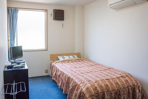 【素泊】ビジネス・観光 ・一人旅 シングル プラン お部屋にバス・トイレ無し 最終チックイン22時