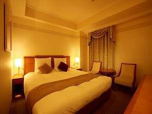 【ベッドは180cm幅キングサイズ】スーペリアダブル