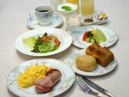 【朝食付】和食・洋食、選べます!庭園ビューで爽やかな朝を♪