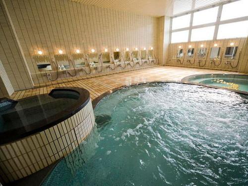 【素泊まりプラン】天然温泉大浴場完備!一日の疲れをゆったり湯船につかってリフレッシュ!