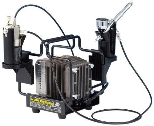 ・ハンドピースのタイプ:ダブルアクション ・ノズルの口径:0.3mm ・塗料カップのタイプ:一体型 ・エアーコンプレッサーがセット