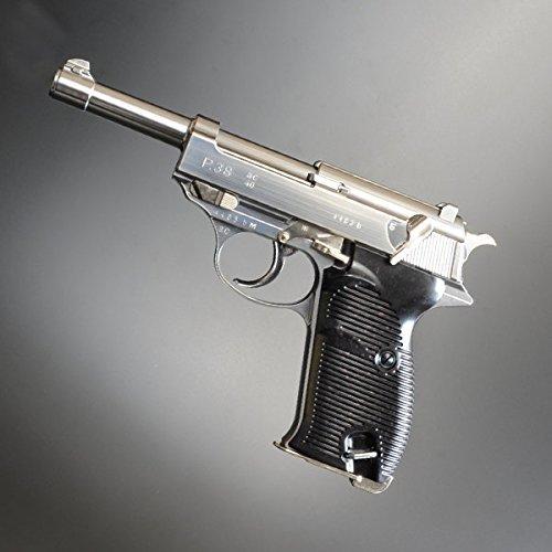 全長:215mm 重量:720g 装弾数:12発