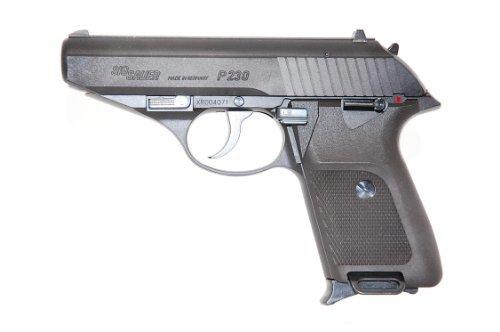 全長:169mm 重量:500g 装弾数:12発