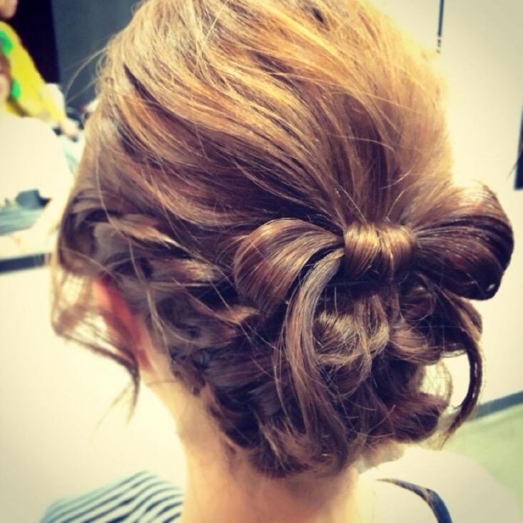 ナチュラルに華やかな結婚式の髪型【ロングヘア】お呼ばれヘア