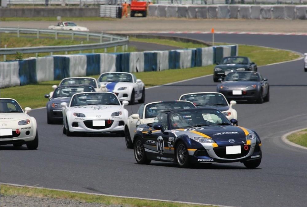 出典: http://www.mazda.com/ja/innovation/motorsports/grassroots/