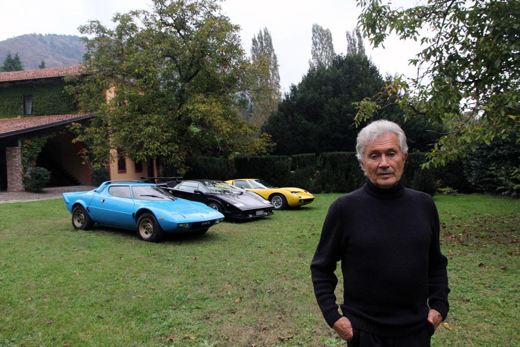 出典:http://www.autodesignclub.com/index.php/news-facts/today/232-marcello-gandini-with-three-of-his-masterpieces