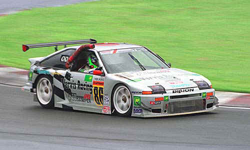 出典:http://maydaygarage.com/nostalgic-wednesdays-the-kraft-bp-gt300-trueno/