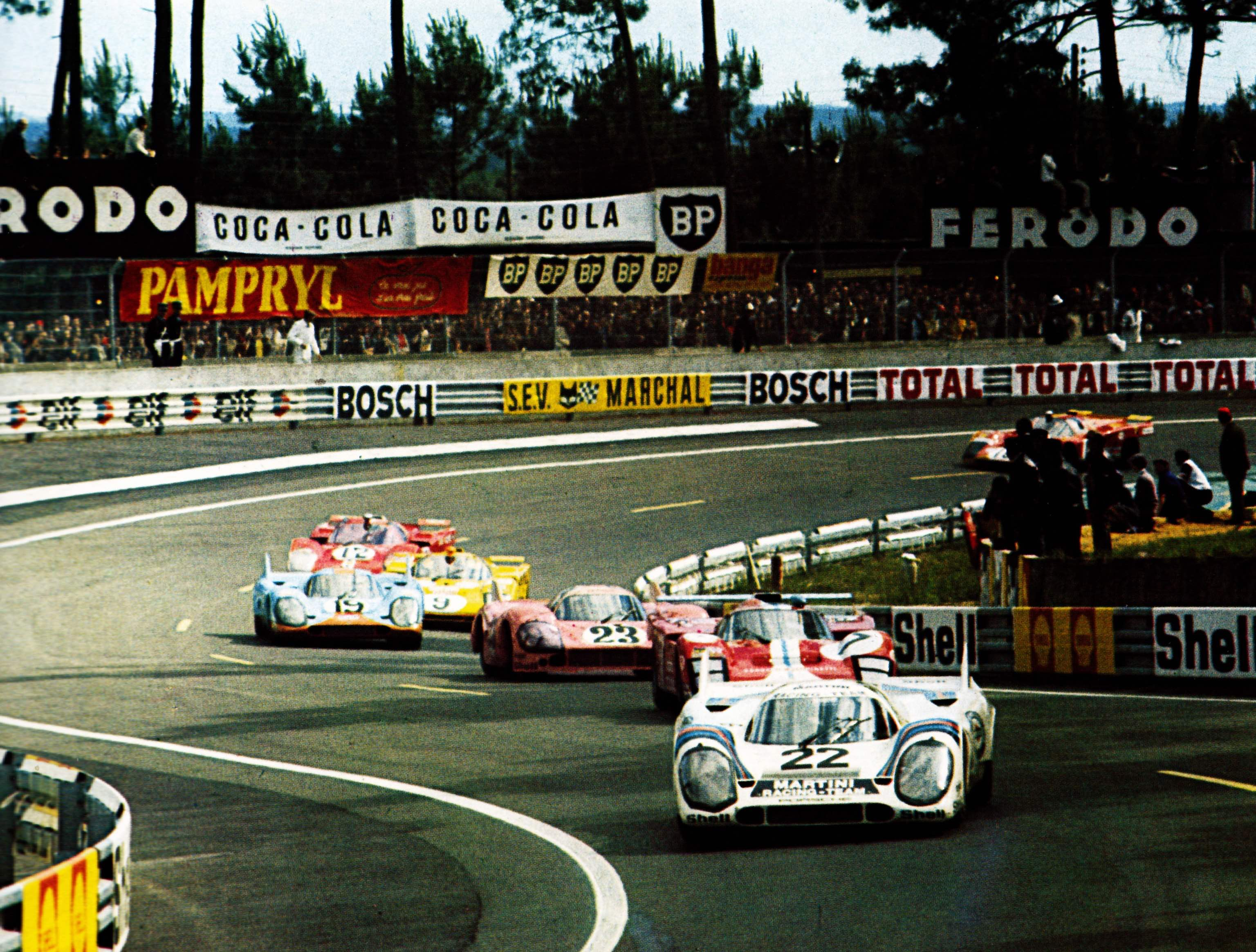 出典:https://carloscastella.files.wordpress.com/2014/03/1971-le-mans.jpg