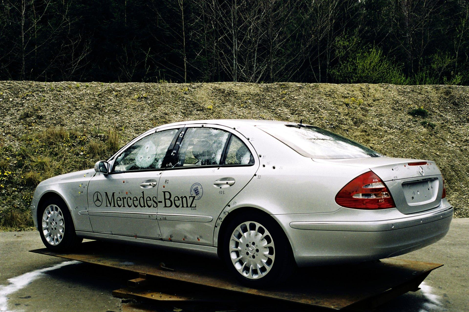 出典:http://www.carsarmored.org/