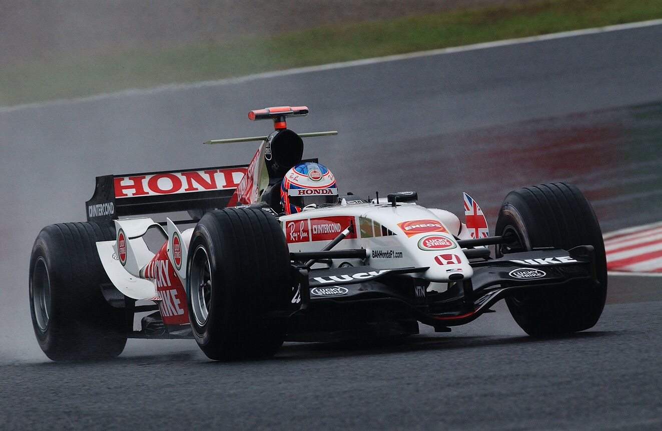 佐藤琢磨とチームメイトとなったBAR時代、この頃から日本で彼の注目度は一層高まった。(©︎鈴鹿サーキット)
