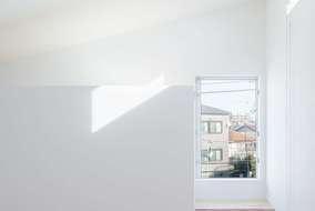 ワークスペースには窓をつけ明るく見晴らしの良い在宅ワークには最適な空間になっています。