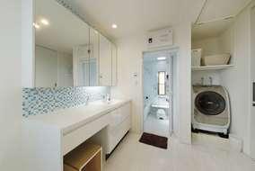 水廻りはインナーバルコニーがある3階に設け、スムーズな洗濯動線を実現。
