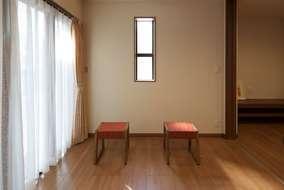 岡村では家具も,テーブルから何でも楽しみながら、お施主様に 提案させていただいています。