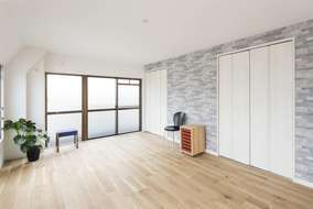 2部屋あった部屋を1部屋にして広々した部屋になりました。