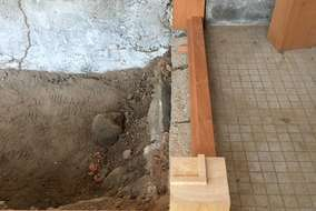 出隅小束は檜で框を出留め細工をもたせます。