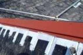 鉄部は防錆処理をしていよいよ下塗り作業にはいります。