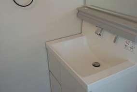 施工後 2階トイレは洗面化粧台を取り付けるスペースもできました。