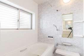 浴室施工後 1階は寝室とプライベートな水廻り。動線がスムーズになり快適です。