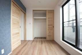 3階居室の一つは5帖の居室になります。