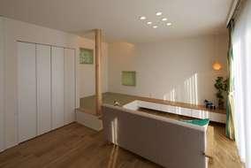 ソファーカーテンなど家具もトータル提案させていただきました。