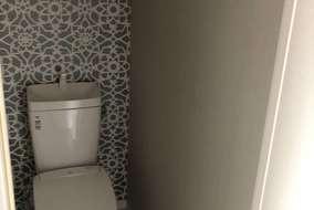 トイレの大柄アクセントクロス