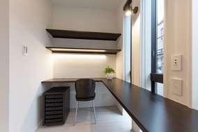 リビングにつなげて作ったPCスペースになります。仕事・勉強・家事スペースなど多目的にスペースです。