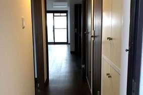 ダイニング~廊下の間にあるドアを開けて風通し。  また、壁を取り払ったお陰で光が届くように!