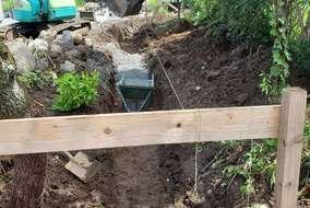 ~掘削後、砕石を敷き均し転圧しました~ 強固な路盤を作ります!