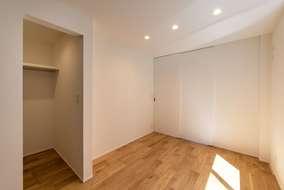 2階の居室には大きなwalkinクロゼットも付いています。