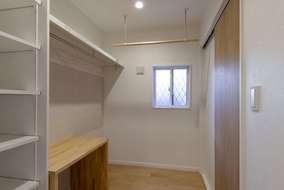 在宅ワークにも対応したフリースペース兼 収納スペースになります。
