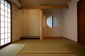 和室は木の色が落ち着きを感じ たくさんのお客様お友達を迎え入れる和室になりました。