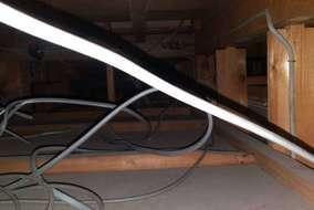 今回は天井に電線を這わせます。