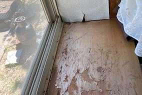 出窓天板板クリヤー剥がれ