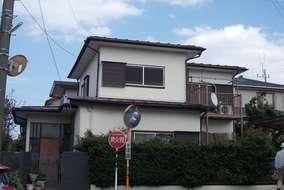 落ち着いた色合いの家。 長年の疲労感がお客様は 気になっていた様です。
