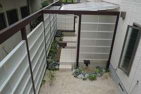 庭先にプライバシーと開放感を両立したリラックス空間が出来ました。